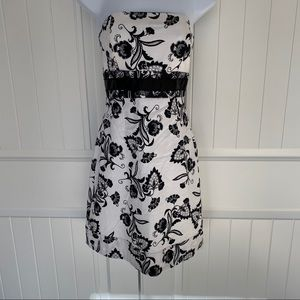 WHBM  black & white sleeveless dress size 0